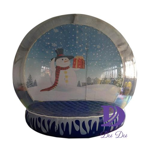 Manufacture customized human size snow globe for sale